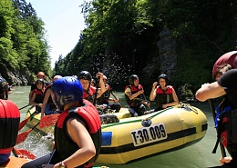 Rafting in the alpin sports week at the Wilder Kaiser